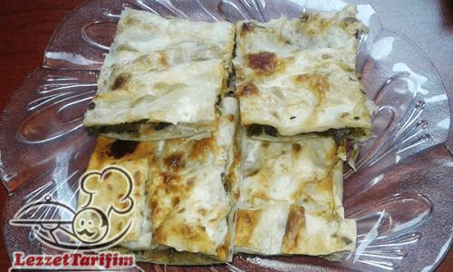 Ispanaklı Tepsi Böreği Tarifi