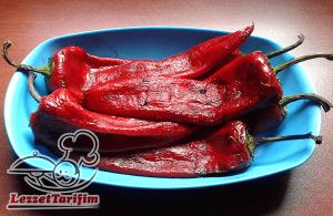 Közde Kırmızı Biber Salatası Tarifi