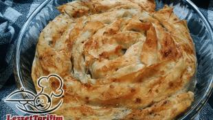 Patatesli Kol Böreği Tarifi (Yufkalı)